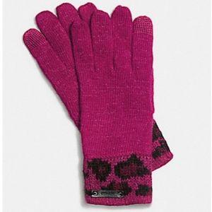 NWT Coach Ocelot Cranberry Touch Glove Mittens